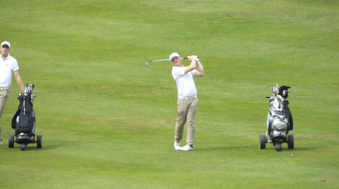 Jamie Milligan's approach to the 8th at Royal Norwich
